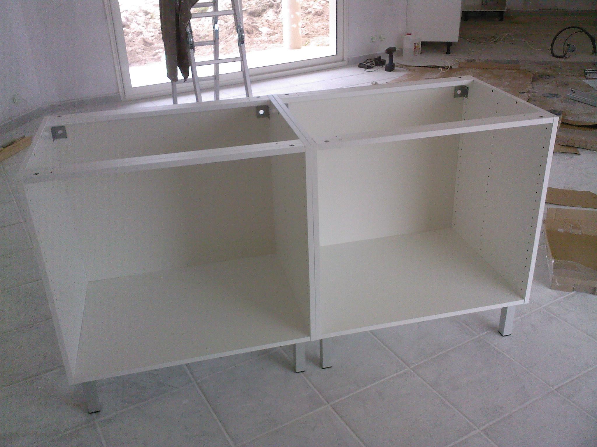 Simple simple cuisine blanche inox la maison au les caissons de lilt sont with caisson cuisine pas cher with montage cuisine brico depot